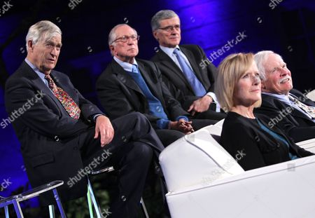 Philanthropist, media mogul, and businessman Ted Turner, right, and, from left to right, Sen. Timothy E. Wirth; Sen. Sam Nunn; Tom Wheeler, Chairman, Federal Communications Commission; and broadcast journalist Judy Woodruff, on stage at the unveiling of Turner's portrait at the Smithsonian's National Portrait Gallery, on in Washington, DC. The ceremony celebrates the addition made to the gallery, as well as Turner's ongoing contributions to American public life