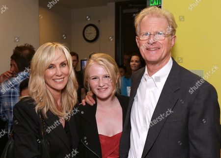 """From left, Rachelle Carson-Begley, Hayden Carson-Begley and cast member Ed Begley, Jr. pose backstage after the opening night performance of """"November"""" at the Center Theatre Group/Mark Taper Forum, in Los Angeles, Calif"""