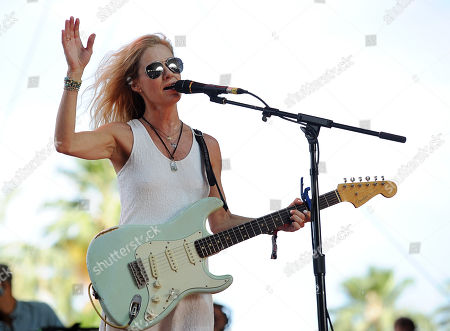 Shelby Lynne performs on day one of the 2014 Stagecoach Music Festival at the Empire Polo Field on in Indio, Calif