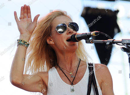 Shelby Lynne performs on Day 1 of the 2014 Stagecoach Music Festival at the Empire Polo Field, in Indio, Calif