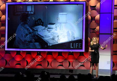 Kristen Johnston speaks at the 40th Anniversary Gracies Awards at the Beverly Hilton Hotel, in Beverly Hills, Calif