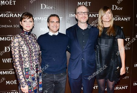 """Actress Marion Cotillard and actor Joaquin Phoenix pose with writer-director James Gray and wife Alexandra Dickson at the premiere of """"The Immigrant"""" hosted by The Weinstein Company with Dior and Vanity Fair at The Paley Center, in New York"""