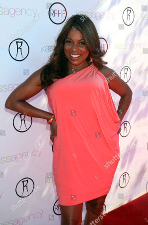 """Rolonda Watts arrives at Robi Reed's 10th Annual """"Sunshine Beyond Summer"""" Celebration - The Day Party with a Purpose at the Getty House, in Los Angeles"""