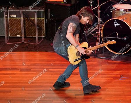 Keith Urban performs a Rodney Crowell song during the 55th Annual ASCAP Country Music Awards at the Ryman Auditorium, in Nashville, Tenn