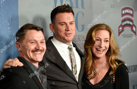"""Trent McDonald, Channing Tatum, Deborah Scranton. Channing Tatum, center, executive producer of the HBO documentary film """"War Dog: A Soldier's Best Friend,"""" poses with military dog trainer Trent McDonald, left, and the film's director Deborah Scranton at the premiere of the film at the Directors Guild of America, in Los Angeles"""