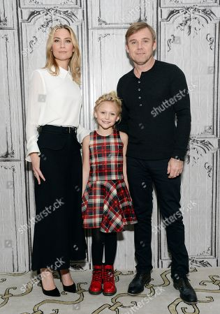 "Actors Jennifer Nettles, left, Alyvia Alyn Lind and Ricky Schroder pose backstage before AOL's BUILD Speaker Series to discuss, ""Dolly Parton's Coat of Many Colors"" television movie, at AOL Studios, in New York"