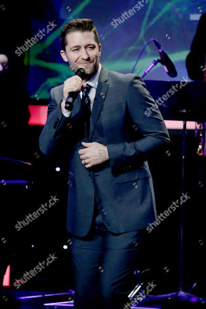 Matthew Morrison performs at Cedars-Sinai Board of Governors honoring Adele and Beny Alagem and Sylvester Stallone at 2016 Annual Gala at Beverly Hilton Hotel, in Beverly Hills