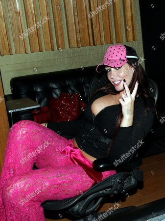 """Model and Recording Artist Jenna Bentley in a recording session with music producer Jason """"Poo Bear"""" Boyd at Encore Studios, in Burbank, Calif"""