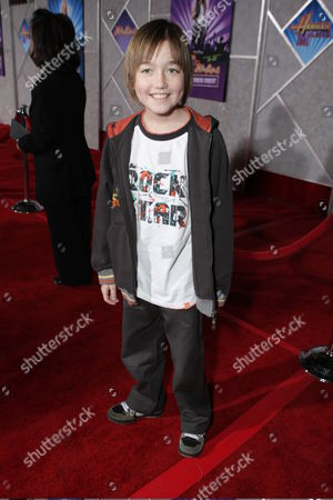 """JANUARY 17: Field Cate at the World Premiere of Walt Disney Pictures' """"Hannah Montana & Miley Cyrus: Best of Both World Concert"""" on at the El Capitan Theatre in Hollywood, CA"""