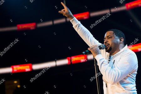 Smokie Norful performs during McDonald's Gospelfest 2013 at the Prudential Center on in Newark, N.J
