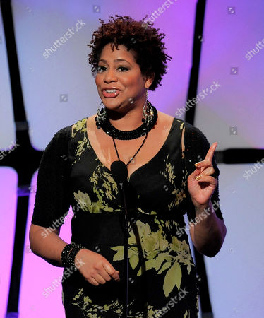 Kim Coles presents an award onstage at the 39th Annual Daytime Emmy Awards on HLN at the Beverly Hilton Hotel on in Beverly Hills, Calif
