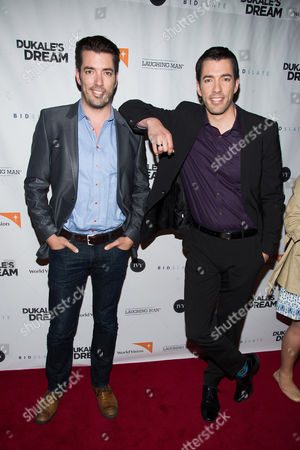 "Jonathan Scott, left, and Drew Scott, hosts of HGTV's ""Brother vs Brother,"" attend a screening of ""Dukale's Dream"" in New York. The home and garden network has upped the number of current shows with co-hosts who are related or married to five, adding America's Most Desperate Kitchens hosted by cousins Anthony Carrino and John Colaneri to its existing lineup of shows hosted by spouses, siblings and other assorted relatives. Brother vs Brother, averaged 2.5 million viewers this season â?"" a 47 percent increase over last year's viewership, according to Nielsen ratings"