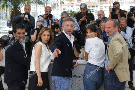 From left, producer Alain Attal, Emmanuelle Bercot, Vincent Cassel, director Maiwenn and scriptwriter Etienne Comar pose for photographers at the photo call for the film Mon Roi, at the 68th international film festival, Cannes, southern France