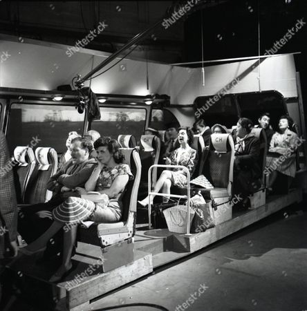 Doris Speed (as Annie Walker), Arthur Leslie (as Jack Walker), Peter Adamson (as Len Fairclough), Joan Francis (as Dot Greenhalgh), Ivan Beavis (as Harry Hewitt), Doreen Keogh (as Concepta Hewitt), Violet Carson (as Ena Sharples), Robin Wentworth (as Arthur Dewhurst) and Pat Phoenix (as Elsie Tanner)