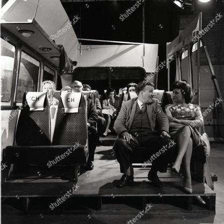 Doris Speed (as Annie Walker), Arthur Leslie (as Jack Walker), Robin Wentworth (as Arthur Dewhurst) and Pat Phoenix (as Elsie Tanner)