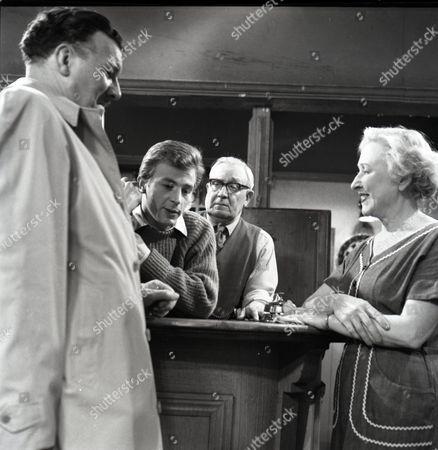 Robin Wentworth (as Arthur Dewhurst), Kenneth Farrington (as Billy Walker), Arthur Leslie (as Jack Walker) and Doris Speed (as Annie Walker)