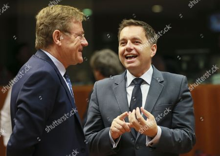Belgian Finance Minister Johan Van Overtveldt (L) and Slovak Finance Minister Peter Kazimir (R) during the Economic and Financial Affairs Council (Ecofin) finance ministers meeting in Brussels, Belgium, 07 November 2017.