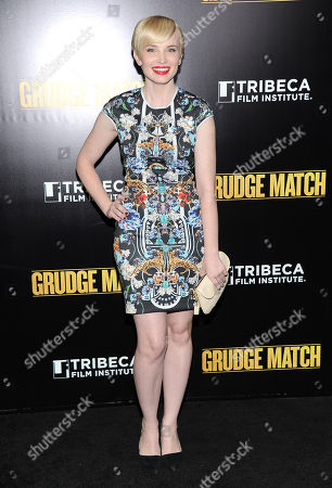"Actress Elizabeth Olin attends the world premiere of ""Grudge Match"", benefiting the Tribeca Film Institute, at the Ziegfeld Theatre on in New York"