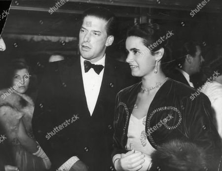 Picture Shows The 7th Earl Of Harewood And Fiancee Marion Stein. She Became His Wife Countess Of Harewood On 29/9/1949 They Divorced In April 1967. (married Jeremy Thorpe 3/1973) They Are Pictured At Film Premiere 'the Magic Box'. He Is A Cousin Of The Queen His Mother Was Mary The Princess Royal. (filed In Main Library Lp-3f)