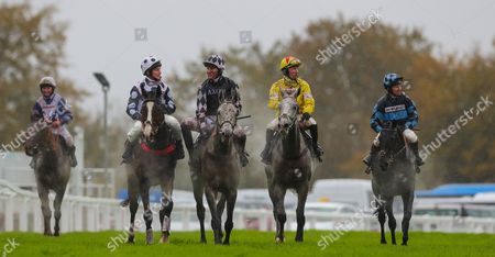L to R: Gino San Benedeto ridden by Bryony Frost , Trail ridden by Jamie Moore, Vibrato Valtat ridden by Nick Scholfield, race winner, Politologue ridden by Sam Twiston-Davies and Garde La Victoire ridden by Richard Johnson. - RACE 3 - 2:00 Exeter - 7 Nov 2017 - 188Bet Haldon Gold Cup (A Limited Handicap Chase) (Grade 2) (Class 1) at Exeter Racecourse, Exeter, Devon, England