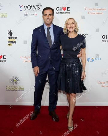 Bob Woodruff, Lee Woodruff. Co-Founders of the Bob Woodruff Foundation Bob Woodruff, left, and Lee Woodruff attend the 11th Annual Stand Up for Heroes benefit, presented by the New York Comedy Festival and The Bob Woodruff Foundation, at the Theater at Madison Square Garden, in New York