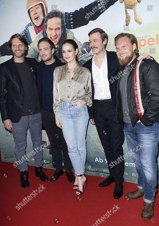 Markus Goller, Frederick Lau, Emilia Schüle, David Kross and Axel Stein