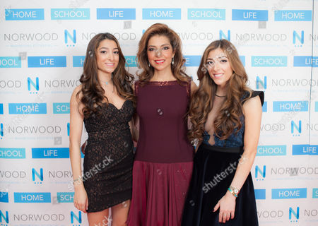 iPhilanthropist Carol Sopher with her daughters Amelia and Hannah.