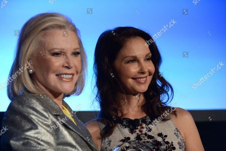 Stock Photo of Audrey Gruss (Founder of HDRF) and Ashley Judd