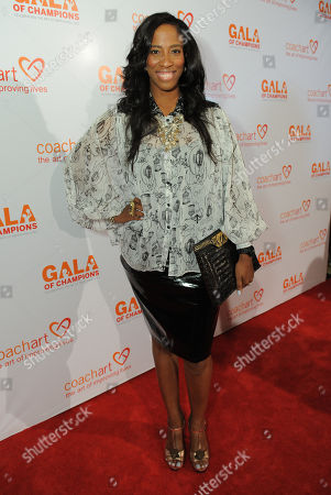 Shondrella Avery arrives at the CoachArt Gala of Champions held at The Beverly Hilton, in Beverly Hills, Calif