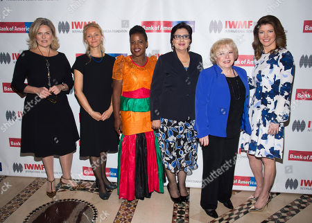 Cynthia McFadden, from left, Anna Nemtsova, Mwape Kumwenda, Lourdes Ramirez, Linda Deutsch and Norah O'Donnell attend the International Women's Media Foundation's 26th Annual Courage in Journalism Awards at Cipriani's 42nd Street, in New York