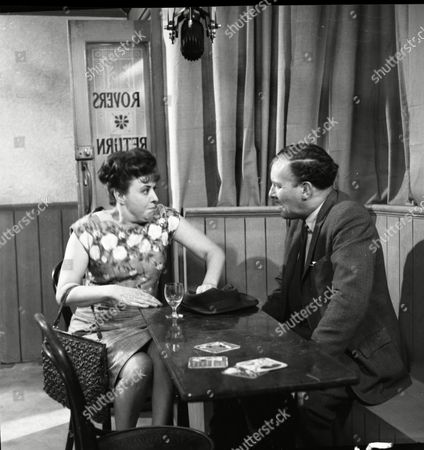 Pat Phoenix (as Elsie Tanner) and Robin Wentworth (as Arthur Dewhurst)