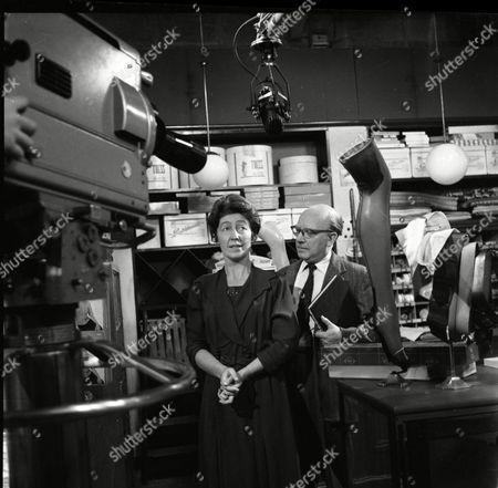 Joan Paton (as Miss Pemberton) and Arthur Lowe (as Leonard Swindley)