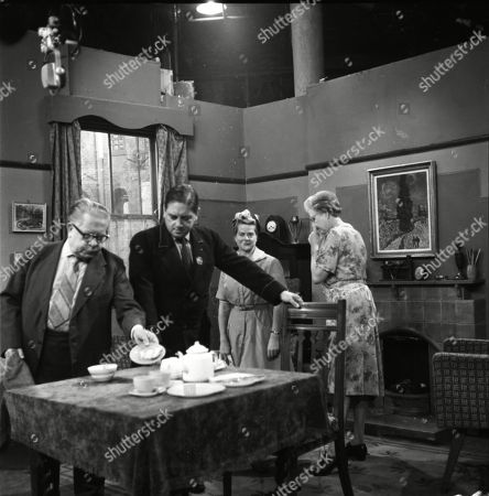 Jack Howarth (as Albert Tatlock), Frank Pemberton (as Frank Barlow), Daphne Oxenford (as Esther Hayes) and Norah Hammond (as Nancy Leathers)