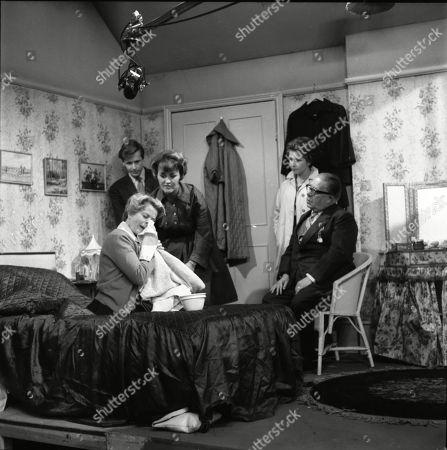 Daphne Oxenford (as Esther Hayes), William Roache (as Ken Barlow), Christine Hargreaves (as Christine Hardman), Anne Reid (as Valerie Tatlock) and Jack Howarth (as Albert Tatlock)
