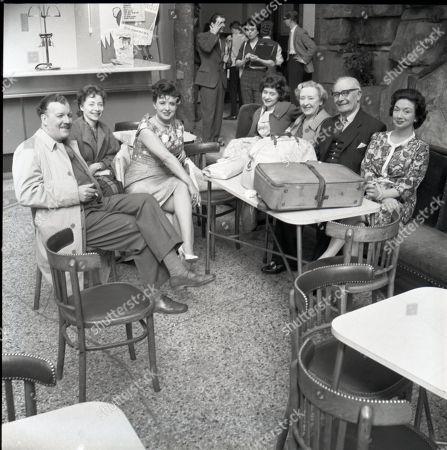 Coronation Street visit to Blackpool Robin Wentworth (as Arthur Dewhurst), Angela Crow (as Doreen Lostock, Pat Phoenix (as Elsie Tanner), Jennifer Moss (as Lucille Hewitt), Doris Speed (as Annie Walker), Arthur Leslie (as Jack Walker) and Joan Francis (as Dorothy Greenhalgh)