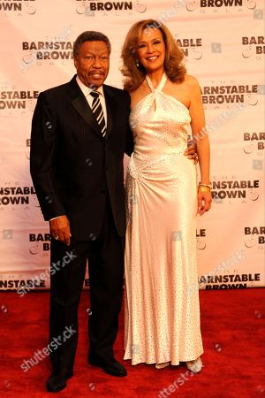 Billy Davis Jr. (left) and Marilyn McCoo arrive at the 2015 Barnstable Brown Gala at Patricia Barnstable Brown's Mansion, in Louisville, Ky