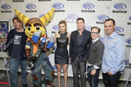 """Director/Writer/Executive Producer Kevin Munroe, Ratchet, Bella Thorne, David Kaye, James Arnold Taylor and Producer Brad Foxhoven seen at Gramercy Pictures """"Ratchet & Clank"""" Wondercon Presentation at Los Angeles Convention Center, in Los Angeles, CA"""