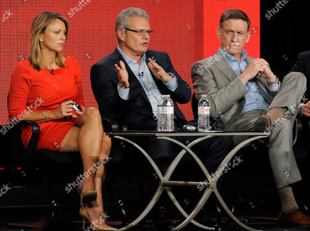 "Lara Logan, left, and Armen Keteyian, center, correspondents on the program ""60 Minutes of Sports,"" and the show's co-executive producer Bill Owens take part in a panel discussion at the Showtime Winter TCA Tour at the Langham Huntington Hotel, in Pasadena, Calif"