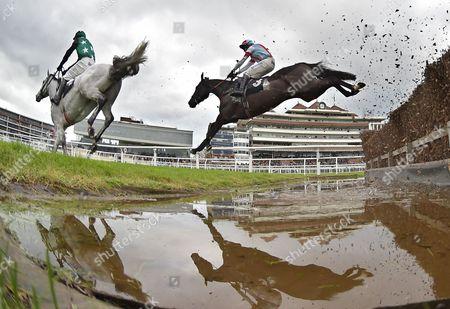 Editorial image of Newbury Races, Horse Racing, Newbury, UK - 09 Nov 2017