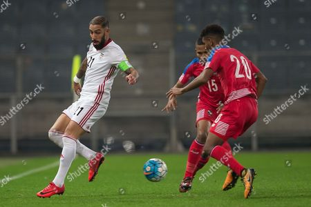 Panama's Ricardo Avila (R) in action against Iran's Ashkan Dejagah (L) during the international friendly soccer match between Iran and Panama in Graz, Austria, 09 November 2017.
