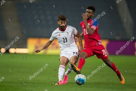 Panama's Ricardo Avila (R) in action against Iran's Ramin Rezaeian (L) during the international friendly soccer match between Iran and Panama in Graz, Austria, 09 November 2017.