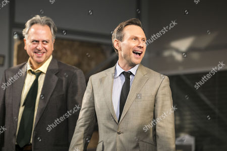Stanley Townsend (Shelley Levene) and Christian Slater (Ricky Roma) during the curtain call