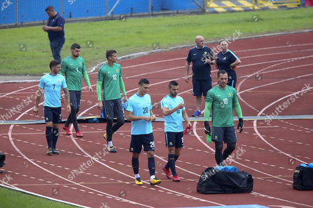 Australia's national soccer team players (L-R) Mathew Leckie, Maty Ryan, Mitch Langerak, Trent Sainsbury, Aziz Behich and Danny Vukovic participate in a training session at the Olympic Stadium in San Pedro Sula, Cortes, Honduras, 09 November 2017. Honduras will face Australia on 10 November for the Russua 2018 FIFA World Cup playoff soccer match.