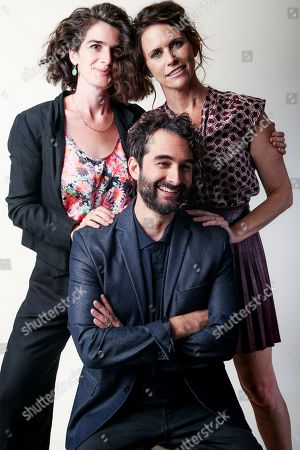 """Gaby Hoffman, from left, Jay Duplass and Amy Landecker, cast members in the Amazon series """"Transparent,"""" pose for a portrait during the 2016 Television Critics Association Summer Press Tour at the Beverly Hilton, in Beverly Hills, Calif"""