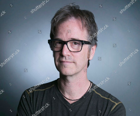 "Grammy Award-winning singer-songwriter Dan Wilson poses for a portrait in promotion of his upcoming solo album ""Love Without Fear"", in New York. Top notch albums you may have overlooked in 2014, range from rising R&B singer and reality TV star K. Michelle to Dan Wilson, the multi-talented singer who co-wrote contemporary classics such as Adele's Someone Like You and Dixie Chick's Not Ready to Make Nice.â"