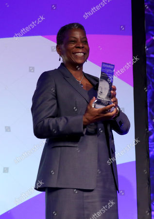 Stock Photo of Ursula Burns, chairman and CEO, Xerox Corporation, recipient of the 2015 John Wooden Global Leadership Award, speaks at the Eighth Annual John Wooden Global Leadership Award Dinner at the Beverly Wilshire hotel, in Beverly Hills, Calif
