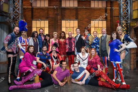 Jamie Laing poses with Simon-Anthony Rhoden (Lola), David Hunter (Charlie) and the cast of 'Kinky Boots'