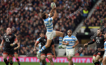 Stock Image of Argentina's Juan Martin Hernandez secures a high ball - Rugby Union - England V Argentina - Old Mutual Wealth Series - 11/11/17 - at Twickenham Stadium London, UK. Photo Credit; Tom Dwyer/Seconds Left Images