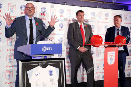 Mark Clemmit, Matt Le Tissier and Steve Cooper take part in the second round draw.