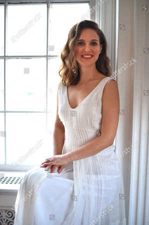 """Natalie Portman poses for a portrait in Los Angeles to promote her film, """"A Tale of Love and Darkness."""" Portman wrote, directs and stars in the film, adapted from the Amos Oz memoir, opening Aug. 19"""
